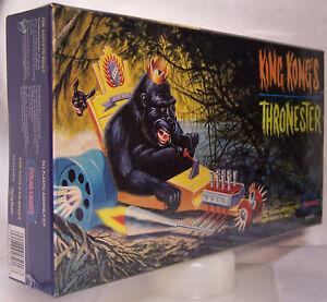 KING-KONG-039-S-THRONESTER-POLAR-LIGHTS-1998-PLAYING-MANTIS