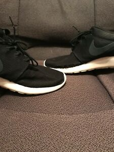 100% authentic 8fde8 6cce8 Image is loading NIKE-ROSHE-ONE-BLACK-Mens-Sneakers-511881-026-