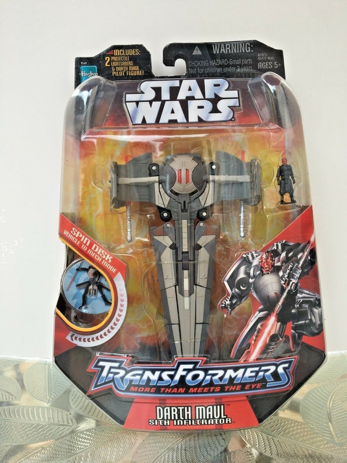 Star Wars Transformers Darth Maul Sith Infiltrator Hasbro NIP
