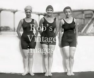d0d2bf4766937 Vintage Flapper Trio Women Swimsuit Photo late 1920s Flappers Jazz ...