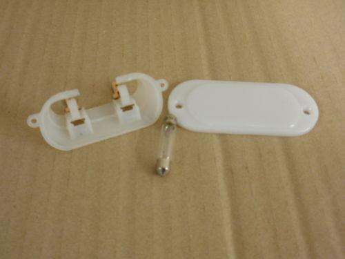 completa di lampadina ** NUOVO 151353 TRIUMPH TR6 TR7 TR8 ** Boot Lampada//Luce Unità