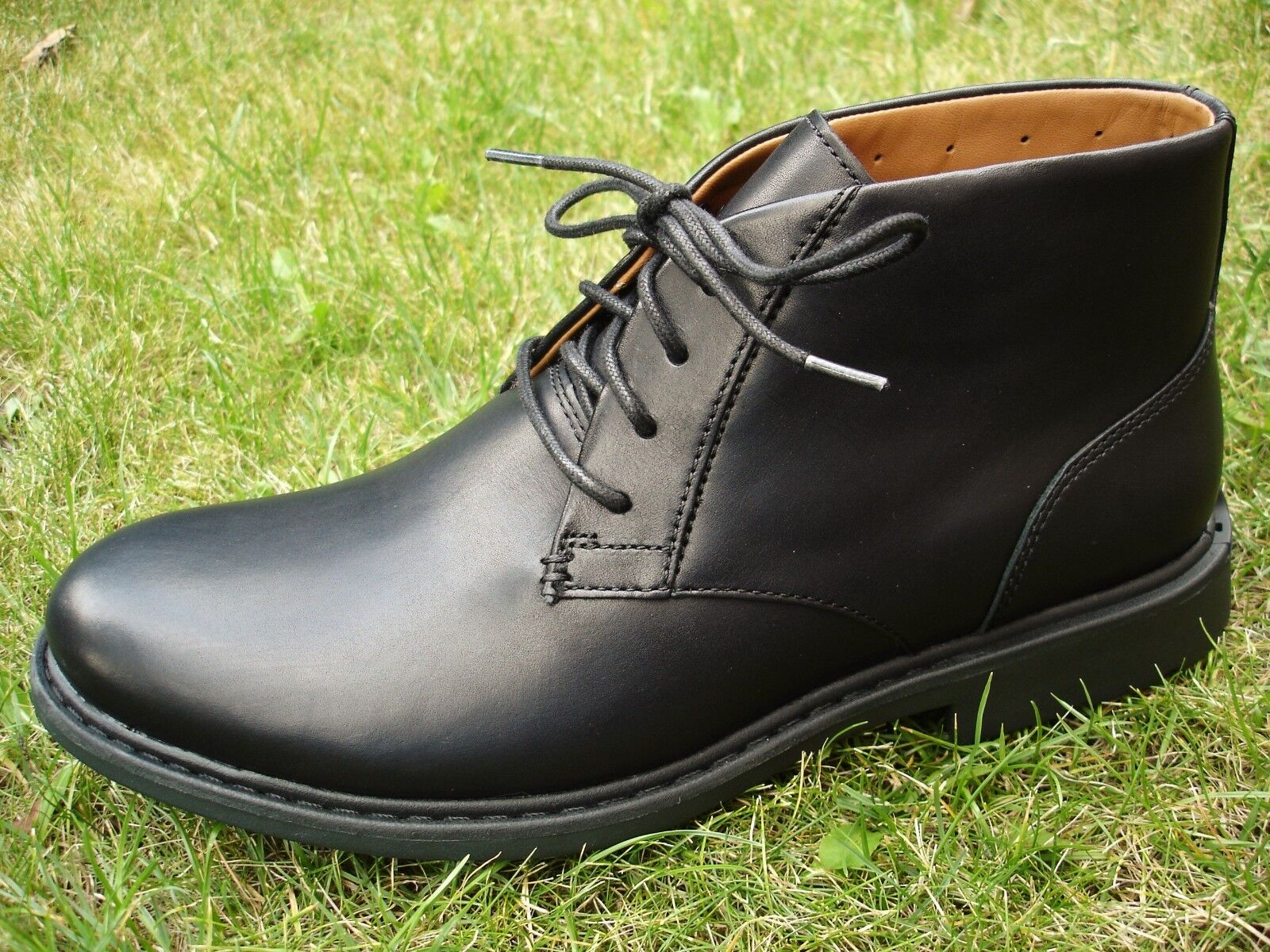 Clarks Buckland Mid ACTIVE AIR VENT VENT AIR Black Leather Boot WIDE-FIT MEN UK-12  47  H fb6a47