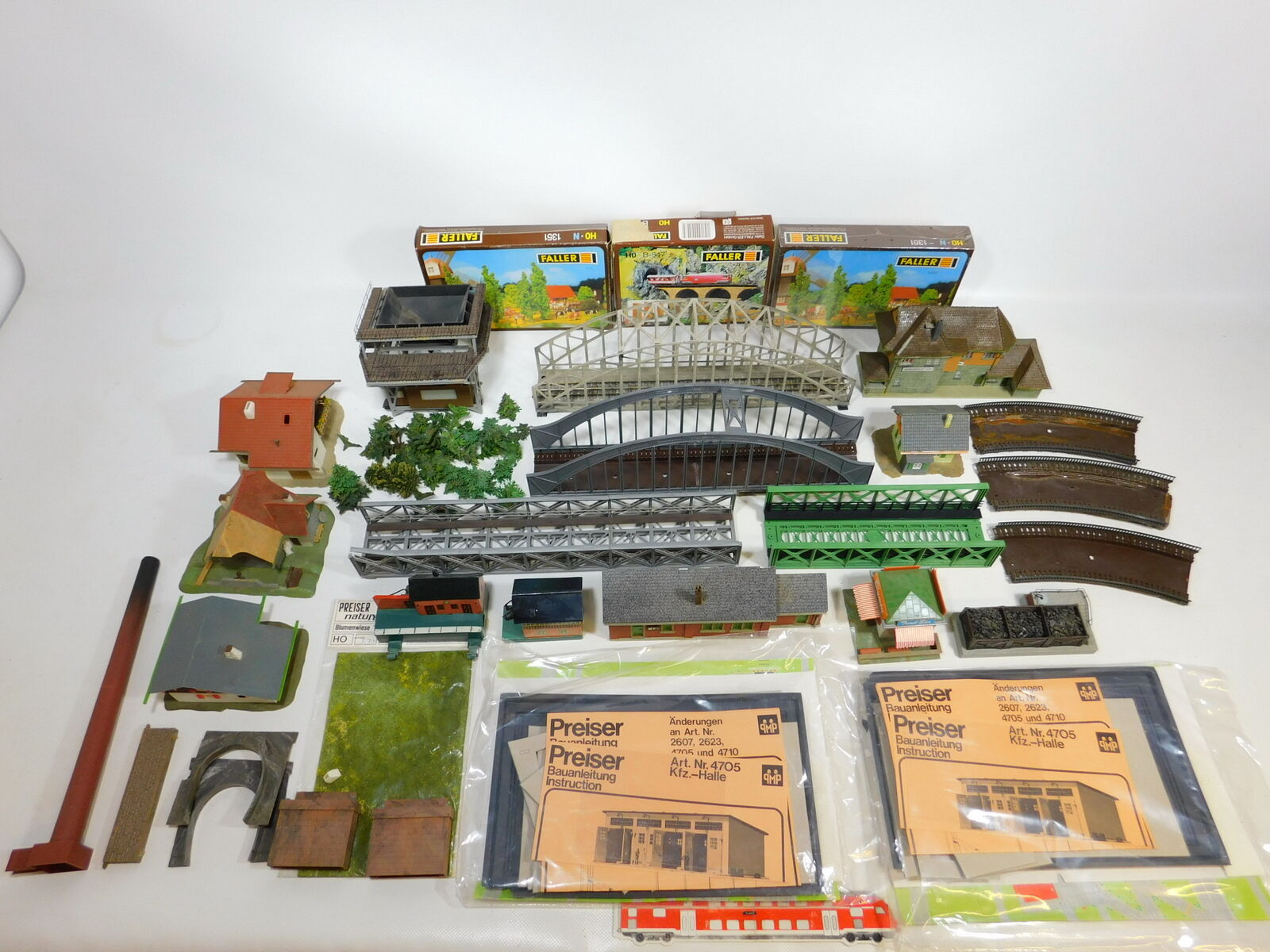 CE6-6  Konvolut H0 Landschaftsbau Häuser (Faller, Märklin, Roco etc), defekt sg