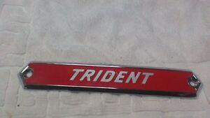 triumph-T150-trident-pannel-badge