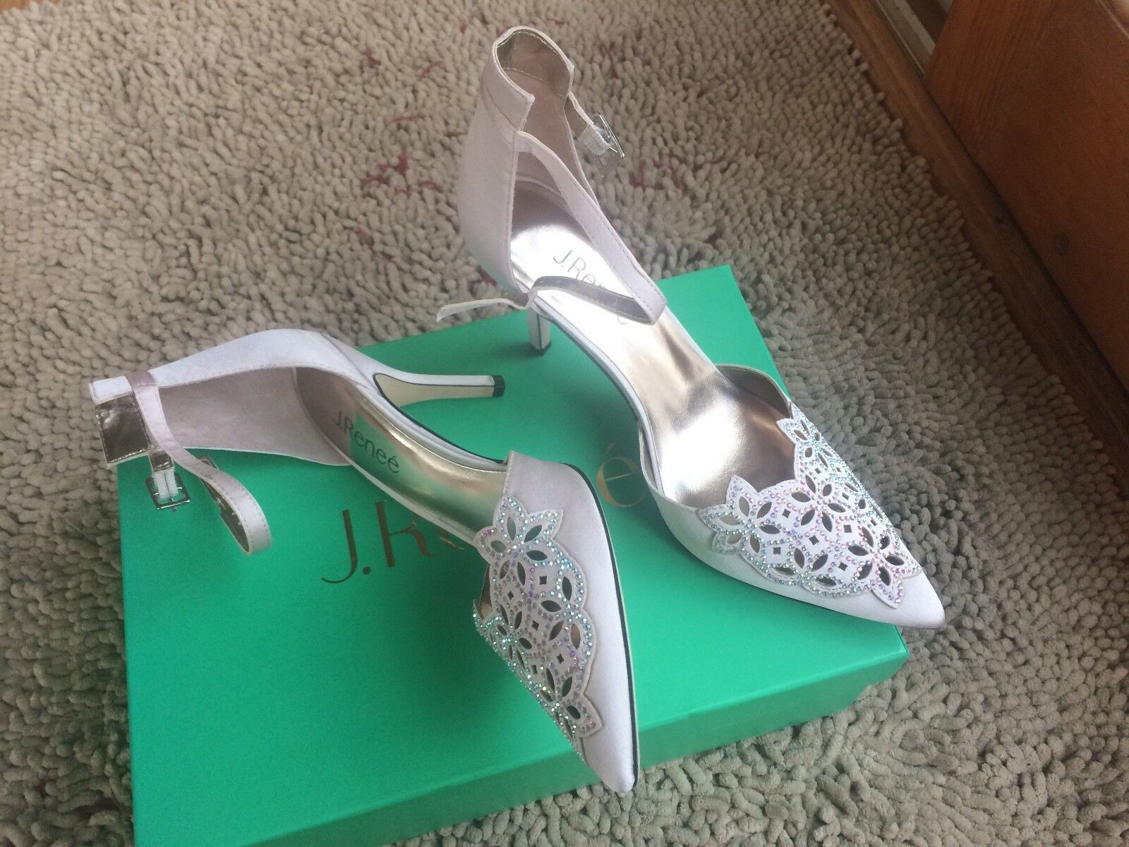 New J Renee Bicarri wedding bride bridal womens heels pumps jeweled platinum 9.5