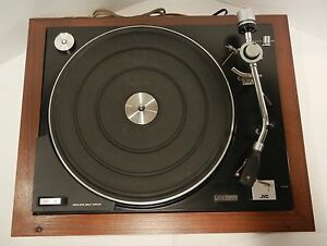 JVC-NIVICO-BELT-DRIVE-TURNTABLE-5240B-GREAT-CONDITION-W-COVER-amp-WOOD-BASE-JAPAN