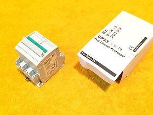 Nuevo-Fuji-CP33FS-10-10-Amp-250-Voltio-3-Polos-Circuito-Protector-Disyuntor