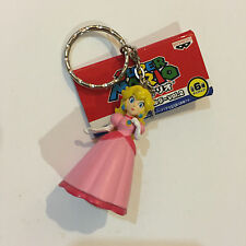 Nintendo Super Mario Banpresto Princess Peach Keychain Figure