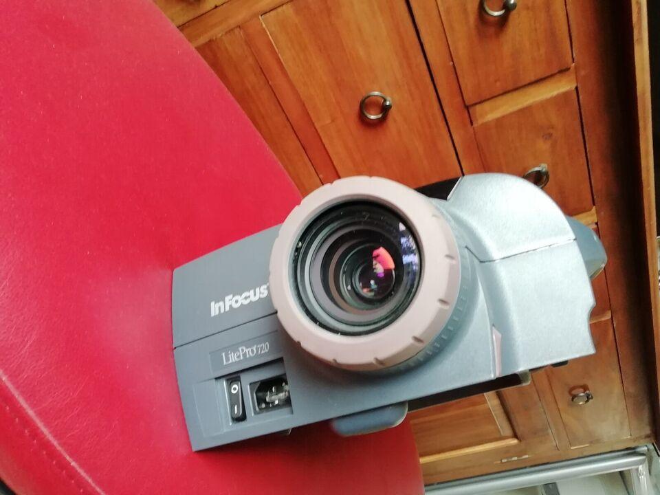 Projektor, In Focus LitePro 720, God
