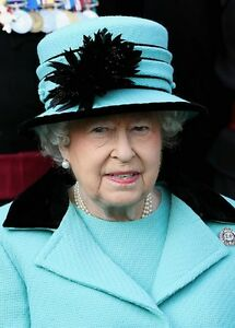 ~~~ ORGINAL~~~ POSTKARTE ~~~ aus England Königin Elizabeth II