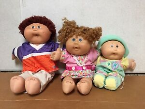 Vintage-Cabbage-Patch-kids-lot-3-assorted-dolls-with-Clothing-EUC-AR42