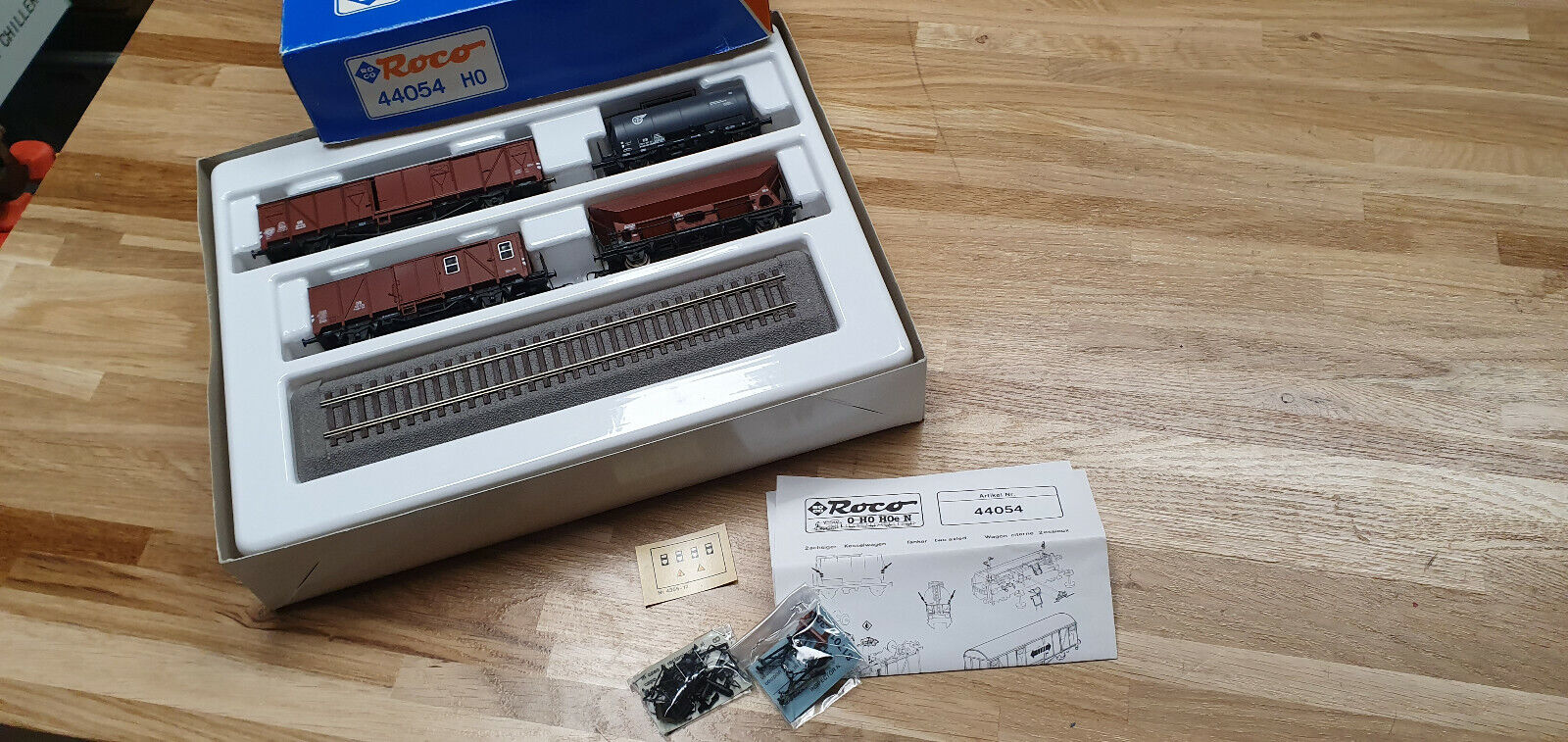 Roco 44054 Güterwagen Set der DB mit Presentationsgleis