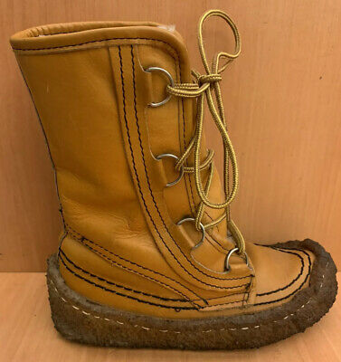 Vtg Maple Leaf Shoe Canada Mukluks