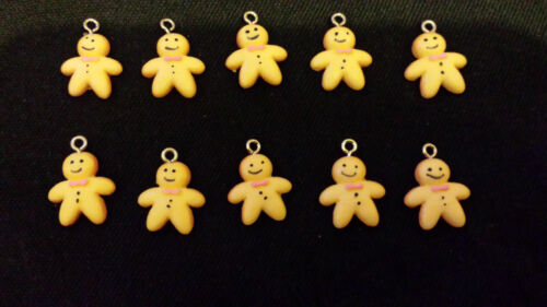 GINGER BREAD MEN CHARMS Nice Christmas jewelry findings