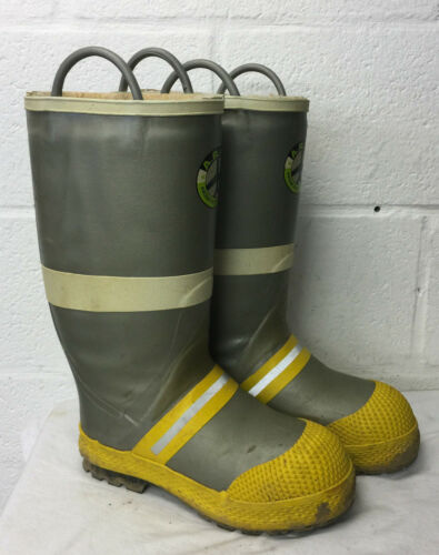 A.R.F.F. AIRCRAFT RESCUE FIRE FIGHTING SAFETY BUNKER BOOTS Size 10.5 Medium