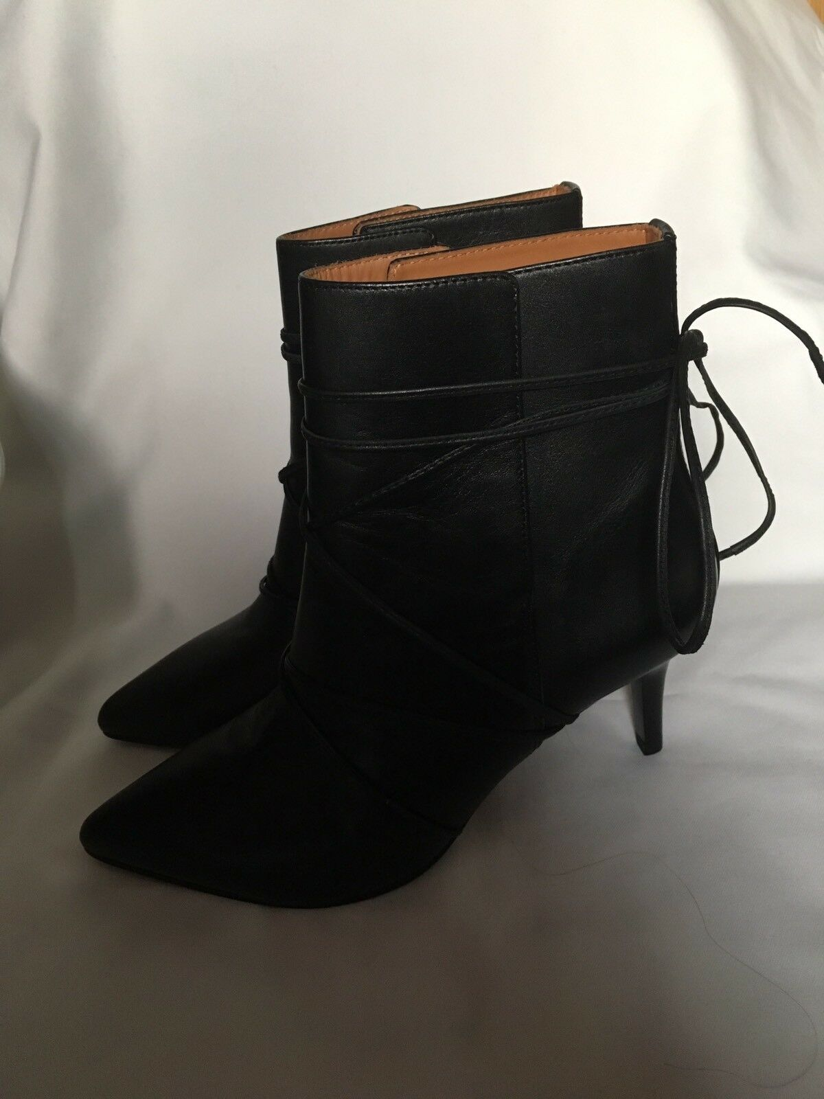 & Other Stories Black Leather Ankle Boot With Medium  Heel And Strap Size UK 4