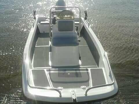 Bandit 410 Cathedral Hull, Utility Boat