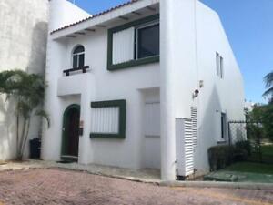 Casa en Venta en Playacar