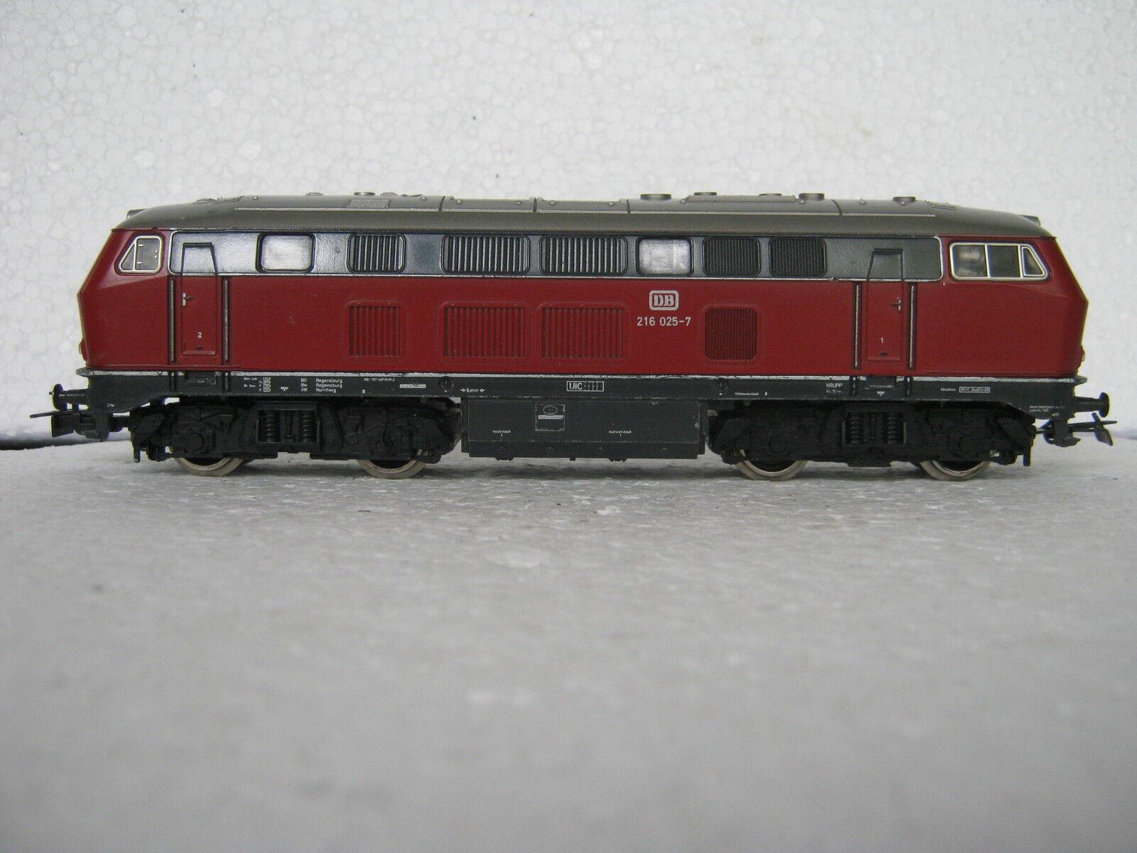 Digital   HO 3075 Locomotiva Diesel BR 216 025-7 dB DC  rg/cb/230-52s3/6