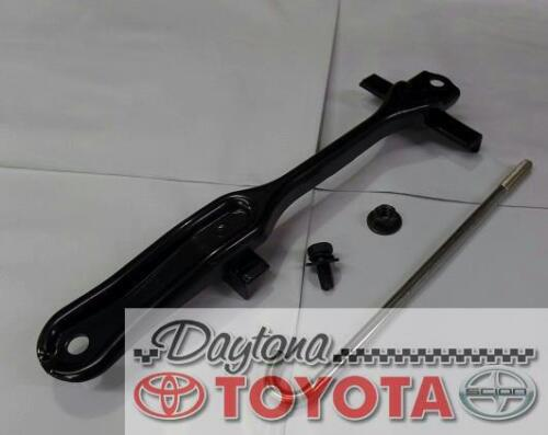 OEM TOYOTA LAND CRUISER BATTERY HOLD DOWN CLAMP KIT 74404-60130 FITS 1998-2007