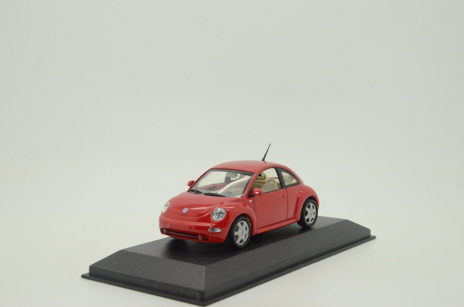 RARE    VW Beetle Red Minichamps 58001 1 43