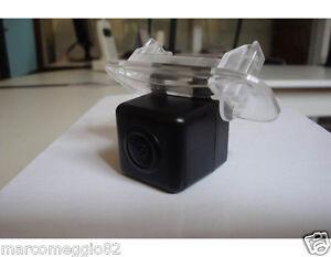 Telecamera-di-retromarcia-per-MERCEDES-BENZ-B200