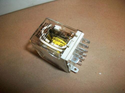 Square D Ice Cube Relay 8501 RSD44V53     4PDT   10amp    24vdc