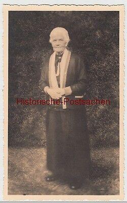 (f10965) Orig. Foto ältere Dame Im Freien, Großmutter Grote, 1930er