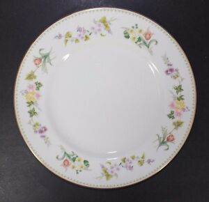 Wedgewood-England-Fine-Bone-China-8-034-Salad-Plate-in-the-Mirabelle-Pattern