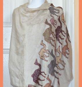 Handwoven-Pashmina-Cashmere-Shawl-Beige-White-Color-Camel-Design-from-India