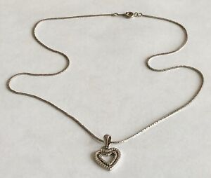 Vintage-Clear-Stone-Silver-Tone-Textured-Open-Heart-Pedant-Chain-Necklace
