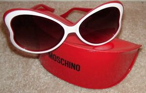c81668a0d5e Image is loading Moschino-White-amp-Red-Sideways-Heart-Plastic-Sunglasses-