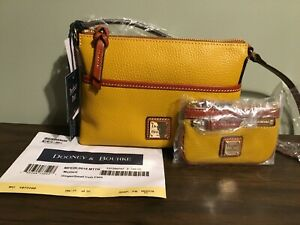 Dooney-and-Bourke-Ginger-Crossbody-Purse-Bag-Womens-fashion-accessory-New