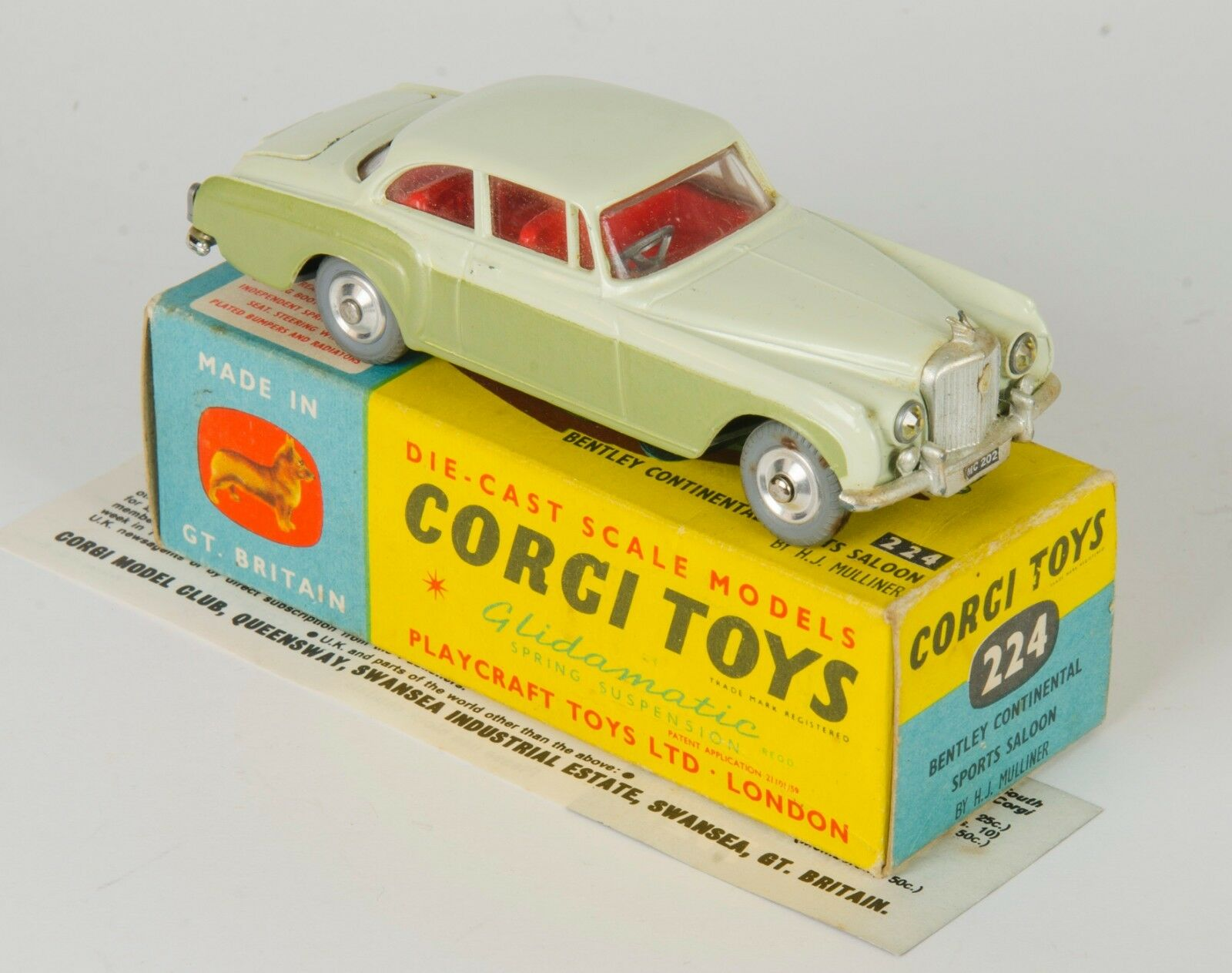 Corgi 224 Bentley Continental Sports Saloon By H.J.Mulliner. Cream Green. Boxed.