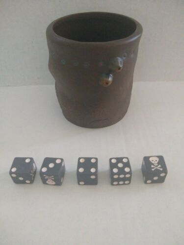 Pirates Of The Caribbean Pirate/'s Dice Game Replacement Rolling Cup /& Five Dice