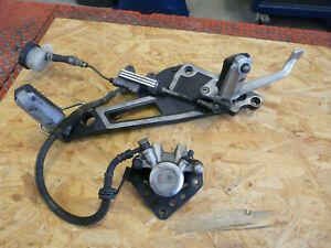 Kawasaki-GPZ-900-R-GPZ-1000-RX-Fussrastenplatte-vorne-rechts-mit-Bremsanlage-hi