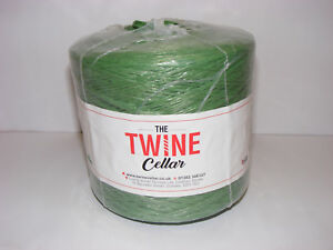 strong-UK-manufactured-green-polypropylene-1kg-Twine-spool-for-garden-or-DIY-use