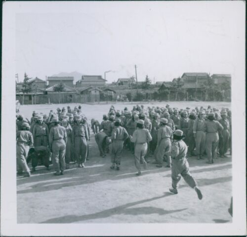 1950-8x10 photo View of training of women soldiers in Korea