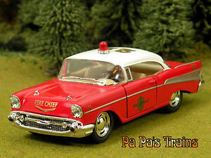 DieCast-1957-Chevrolet-Bel-Air-Fire-Chief-Large-O-Scale-by-Kinsmart-57-Chevy