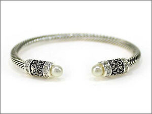 Silver-Toned-Twisted-Cuff-With-White-Pearls