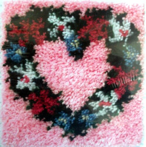 Caron Latch Hook Rug Pillow Making Kit Heart