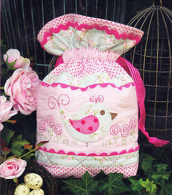 CLEARANCE - Miss Bossy Boots - cute applique & stitchery bag PATTERN - Rivendale