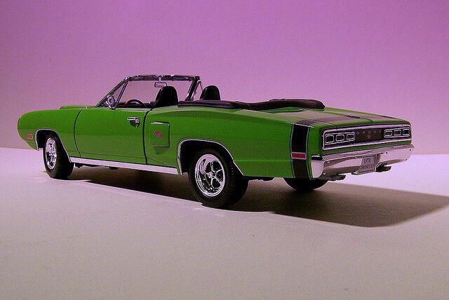 DODGE CorNET R-T 1970 vert YATMING 1 18 1 18 USA ROADSTER CABRIOLET VERT vert