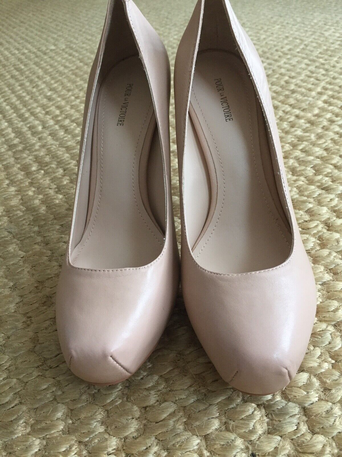250 Pour La Victoire Gilliana Beige Nappa Pumps Women's 8 Medium