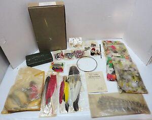 Angelsport-Köder, -Futtermittel & -Fliegen Fishing Fly Tying Lot Thompson Vise Tools Thread Feathers Fur Yarn Hair Hooks