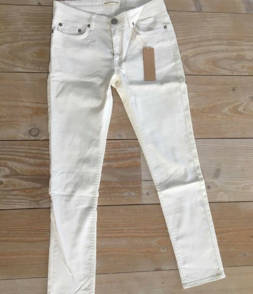 Jeans, Won Hundred, str. 27