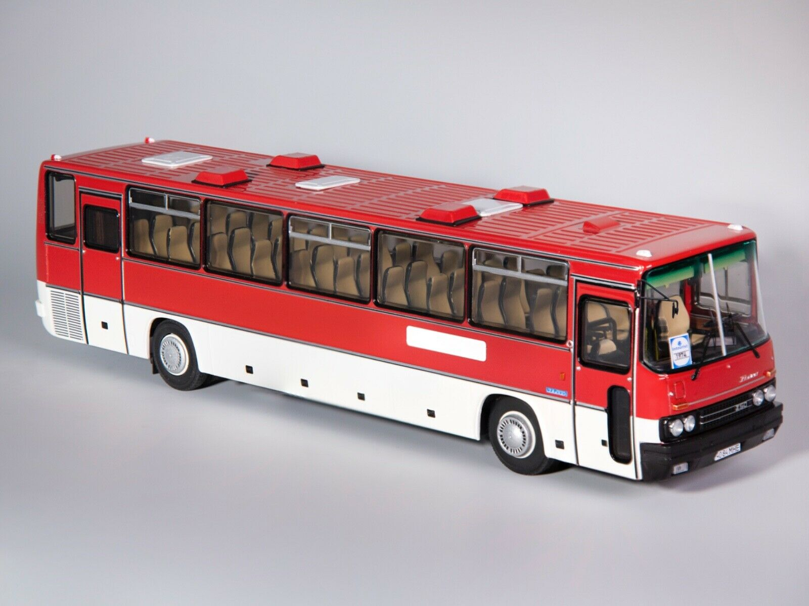 Ikarus 250.59 Intourist 1984 red white bus USSR 1 43 Classicbus very rare