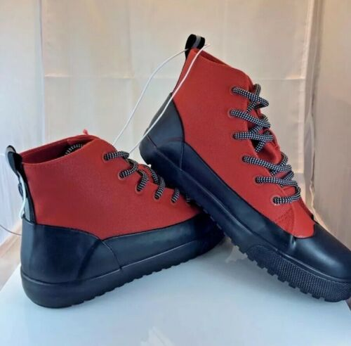 NEW W/TAG Hunter for Target Size 4 Kids Unisex Dipped Canvas Sneakers Boots RED
