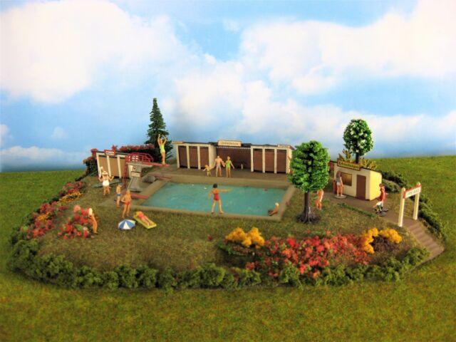 sehr schönes Freibad, Schwimmbad, Top, Diorama mit vielen Details, Busch,