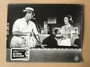 Ein-Koeder-fuer-die-Bestie-Kinoaushangfoto-62-Robert-Mitchum-Polly-Bergen